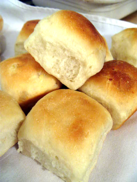 Featherlight Yeast Rolls | Raptor Toe - Food, Baking, Fun.